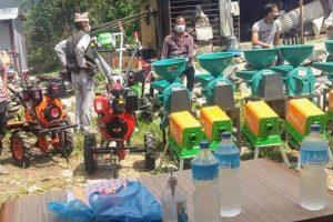 काभ्रेको रोशी १ का किसानहरुलाई कृषि औजार वितरण